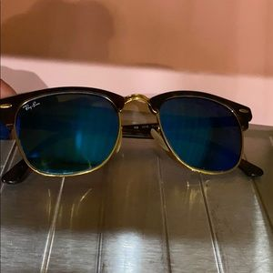 Blue mirror club master sunglasses